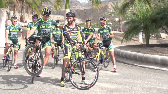 100% Brumotti and Tinkoff Saxo Road bike Freestyle in Gran Canaria